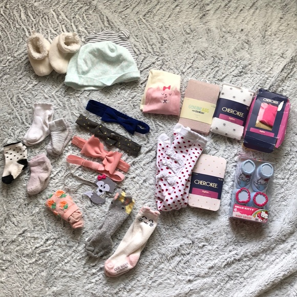 f0b914ebaa4aa Tucker + Tate Accessories   Bundle Baby Girl Socks Tights Bows Hat ...